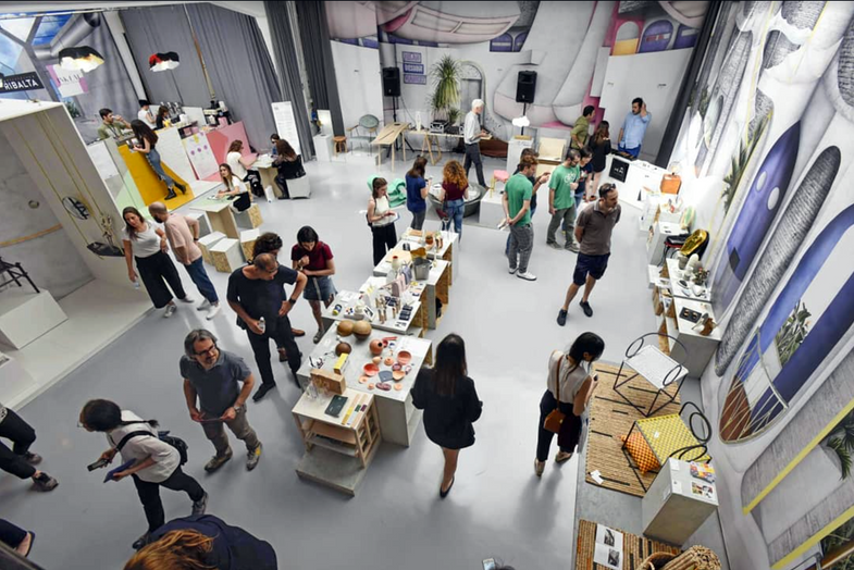 Visitors at the Milan Design Market, Isola