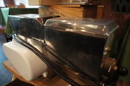 ヴェネチアの全自動製麺機