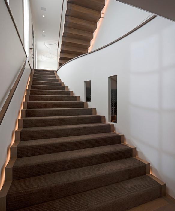 Carne-Stairway-02.jpg