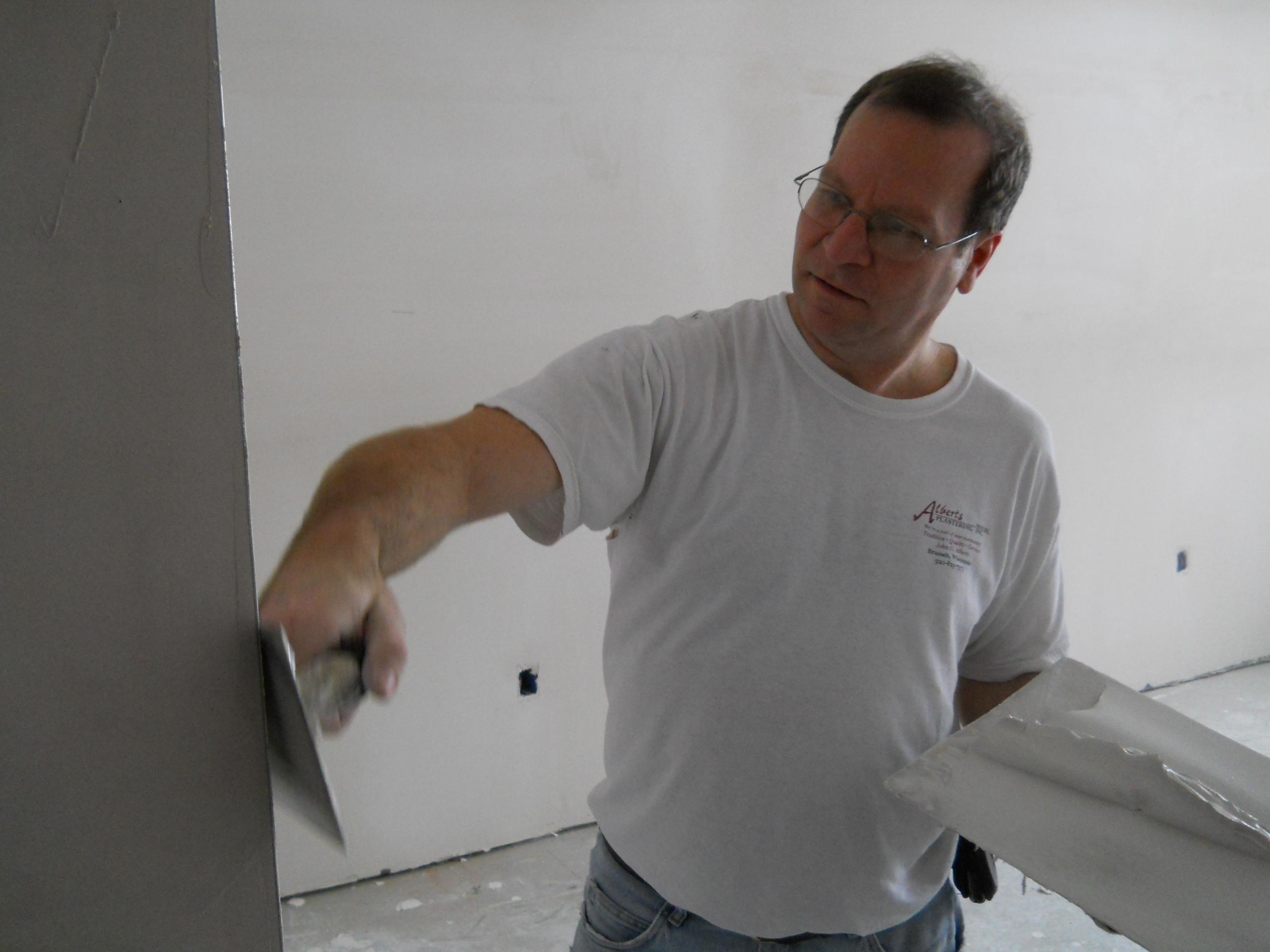 Hand Troweling Plaster