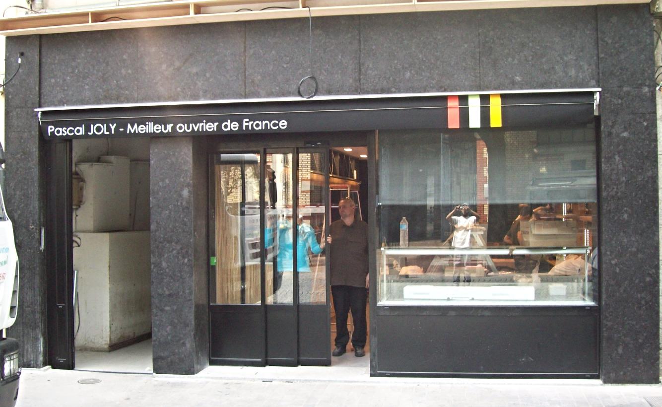Façade de magasin en Granit