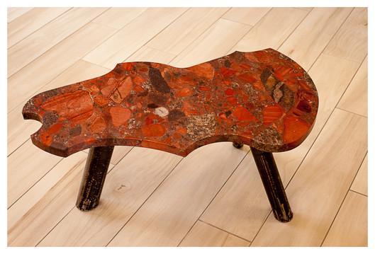 Table Bretagne en Granit Marinage rouge