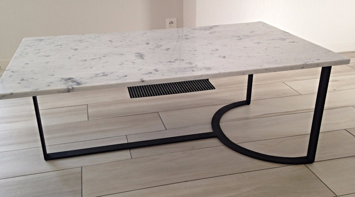 Petite table de salon en marbre de carrare