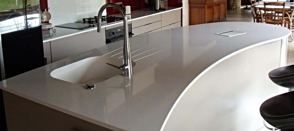 Plan de cuisine en quartz blanc