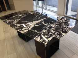 Table en Marbre Noir Grand Antique