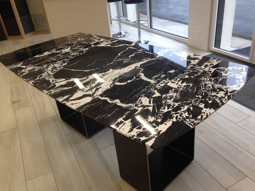 Table en marbre Grand Antique