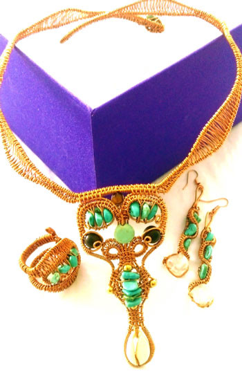 Collar, ring & pendant earrings