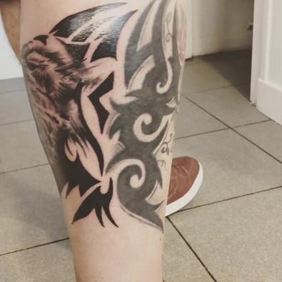 SDP Tattoo - Tattoo lion en prolongement d'un tattoo existant