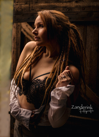 dreads and bra
