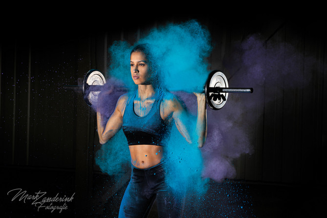 Weights and colorpowder mix