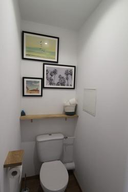 les toilettes et ses palmiers