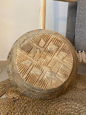 Plat en bois sculpté pièce unique