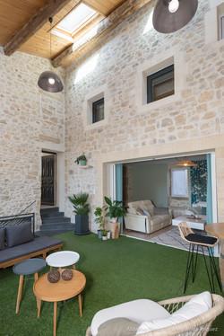 Patio, jardin d'hiver murs en pierre