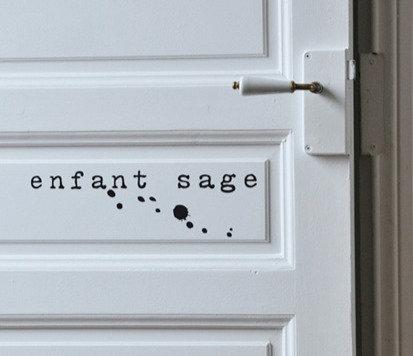 Sticker Enfant Sage