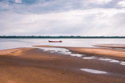 Barco de pescador na Ilha de Ingapijó