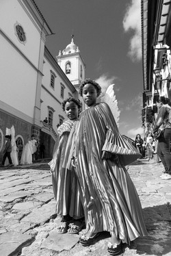 Anjinhos na procissão de Corpus Cristhie