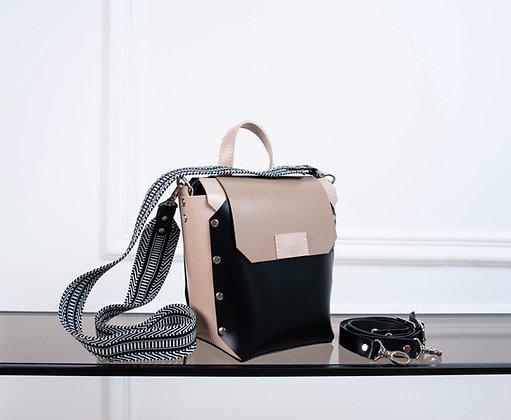 Адара:рюкзак 001