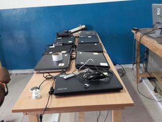 Sieben Laptops gehen auf Weltreise