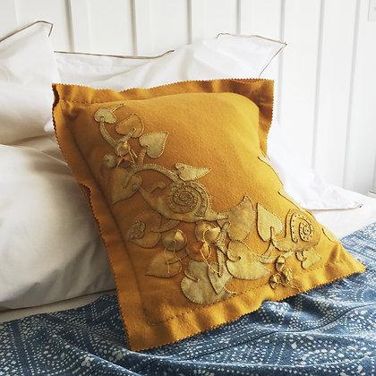 Dijon Snail Trail Applique & Embroidery  Kit