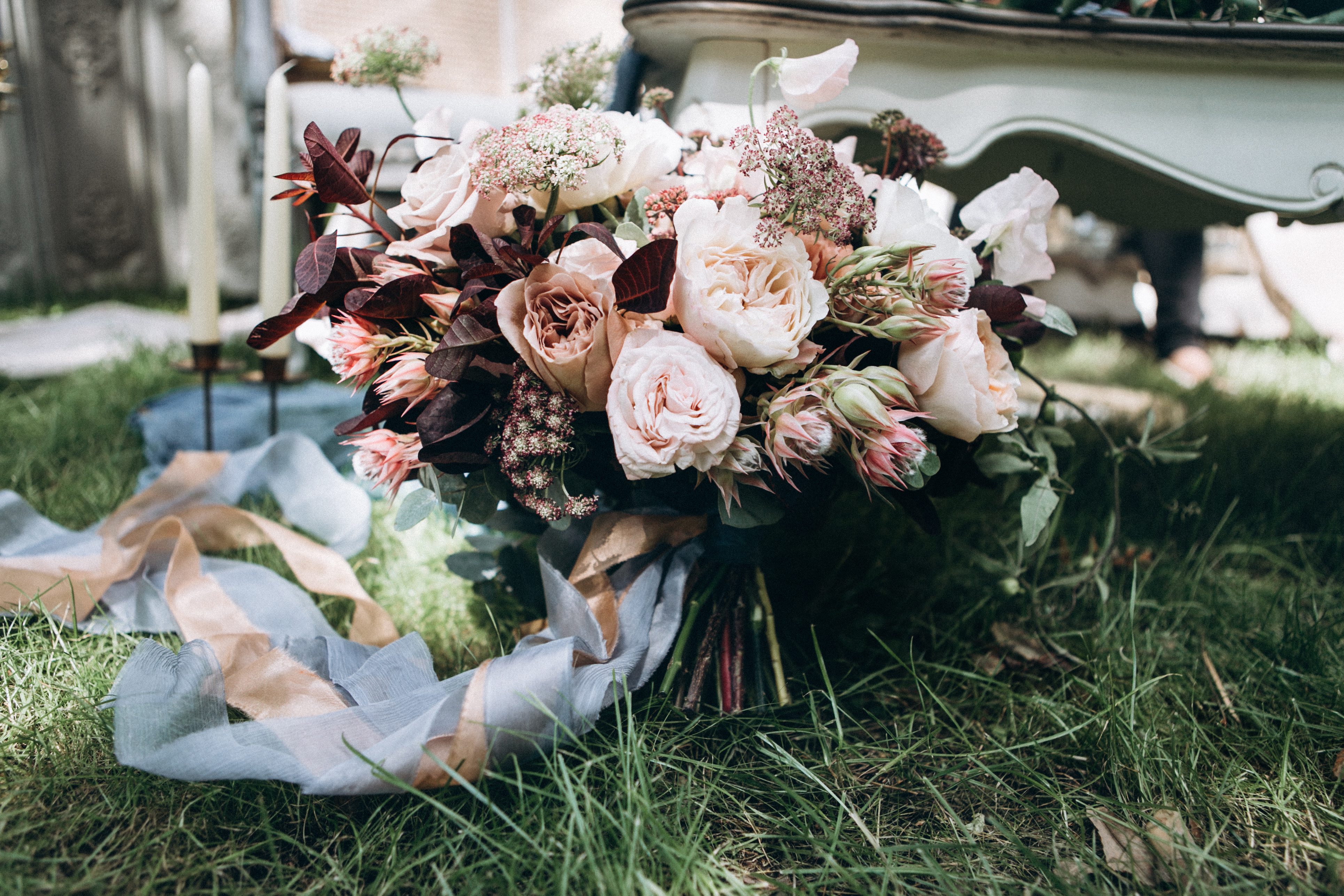 Modern Wedding flowers. Wedding bouquet.