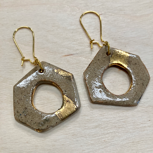 Stone wear Hexagon Earring with Gold Luster