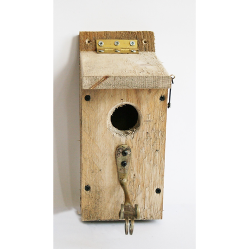 Fork and Wedge Bird Box