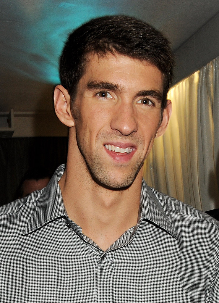 Michael-Phelps-smiled-while-out-London.jpg