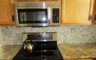 Kitchen countertops and detailing