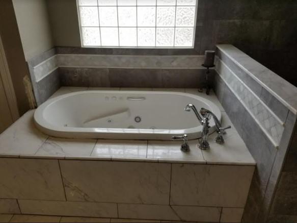 Gorgeous Stone and Tile Bathtub Designs