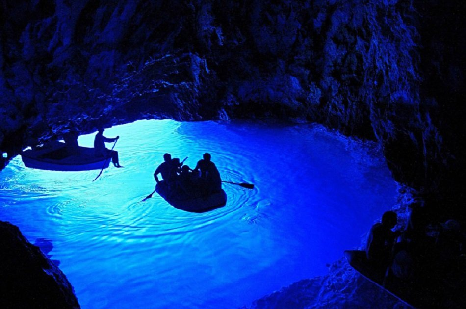 blue-cave-hvar-5-islands-all-inclusive-t