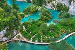 exploring-the-plitivce-lakes