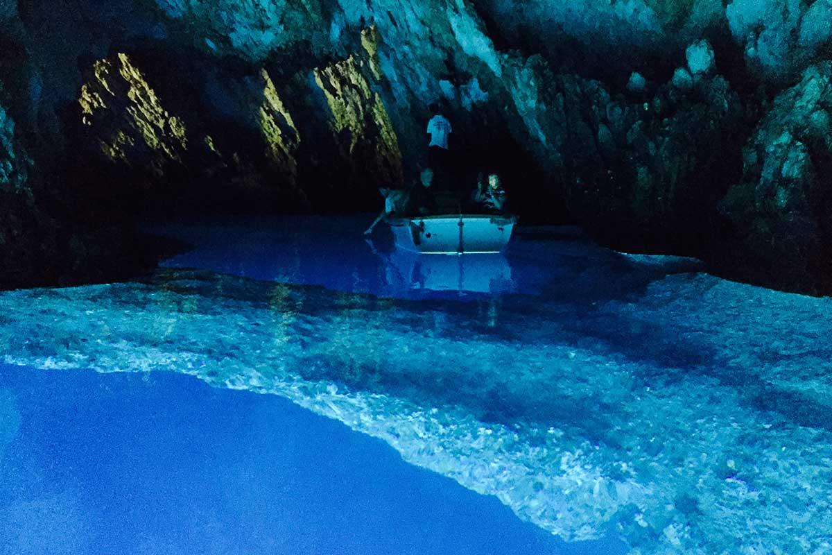 UnderwaterStoneBarBlueCaveCroatia