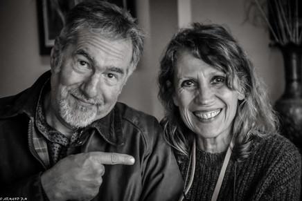 Les artistes Jean-Yves Gosti et Isabelle Malmezat, la bonne humeur avant tout !