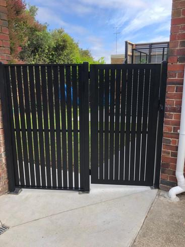 1.8m Knotwood Gate