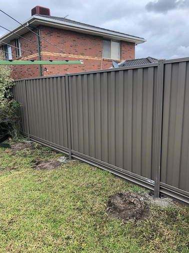 Colorbonf Fence with steel plinths