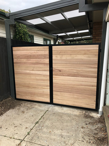 1.8m Silvertop Ash Shiplap Double Gate with black frame- Front