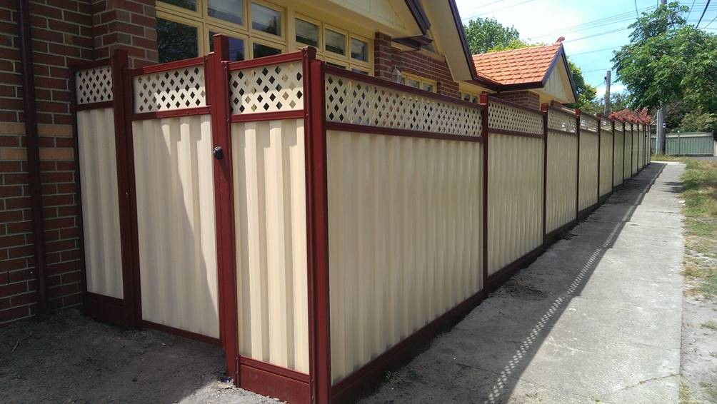 Colorbond with Lattice redoak domain Bentleigh east 6