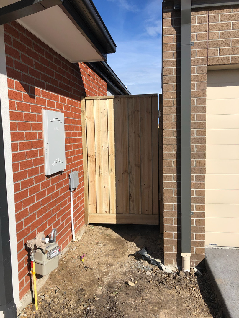 1.9m Timber Gate