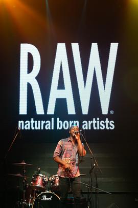 RawPREMIEREBNE_MusicArtistsRunway_BobbyR