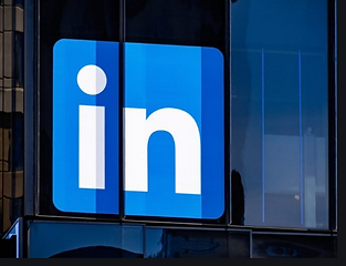 LinkedIn-dark.png