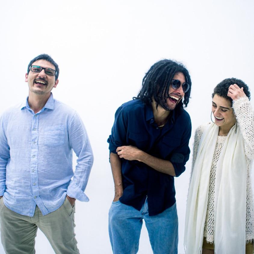 Happy Hour com Aracuã Trio