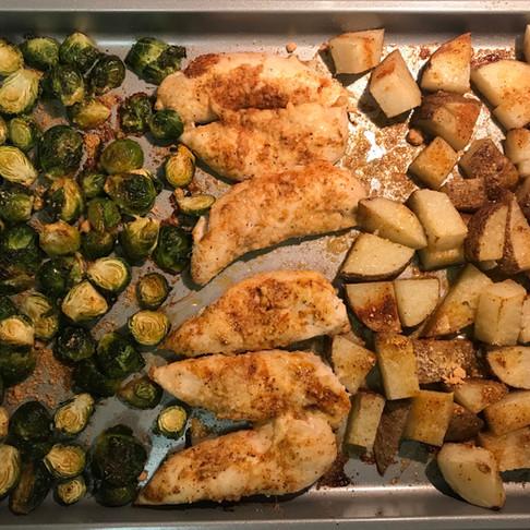 Sheet Pan Garlic Parmesan Chicken & Vegetables