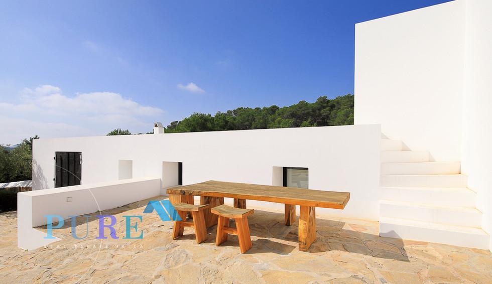 PURE Ibiza-.JPG