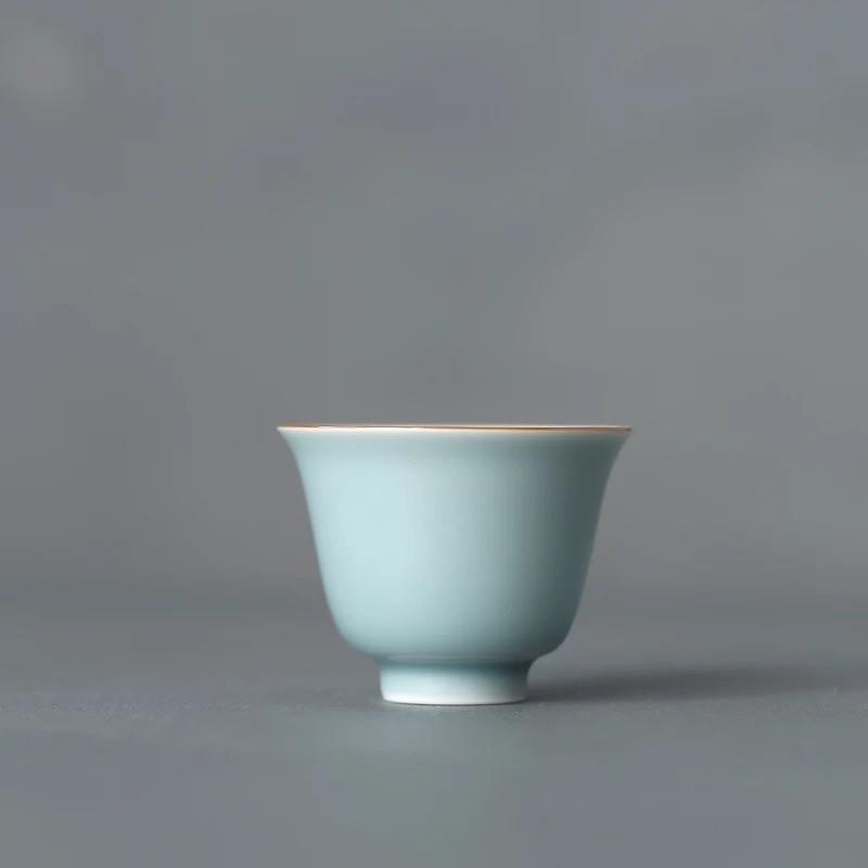 Chinesische Teetasse (Chabei) mit einem Fassungsvermögen von 50 bis 80 ml.