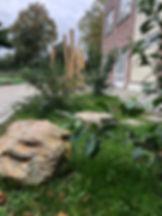 Het uitgangspunt van het ontwerp voor de basisschool De Stelle in Terneuzen is een groen en gezond plein creëeren die dient als speel- en leerlandschap voor de kinderen. Dit is op vele vlakken voordelig voor de gezondheid van het kind als individu, voor de kinderen als groep, voor de buurt en de natuur zelf. Omgeven door het groen en al het leven wat zich daarmee meebrengt kunnen de kinderen op avontuur, zich verstoppen, ontdekken, bouwen, spelen, leren en natuurlijk.. lekker genieten!