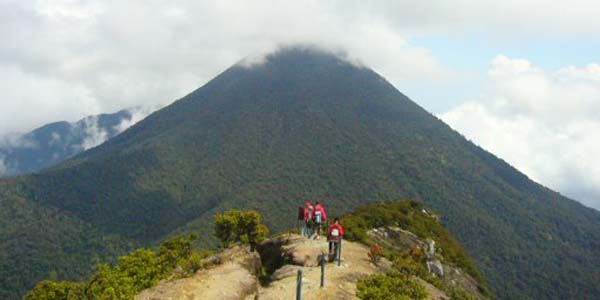 hiking mountain jakarta.jpg