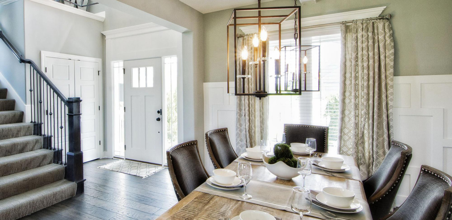427865018602460_29-dining_room_and_entry