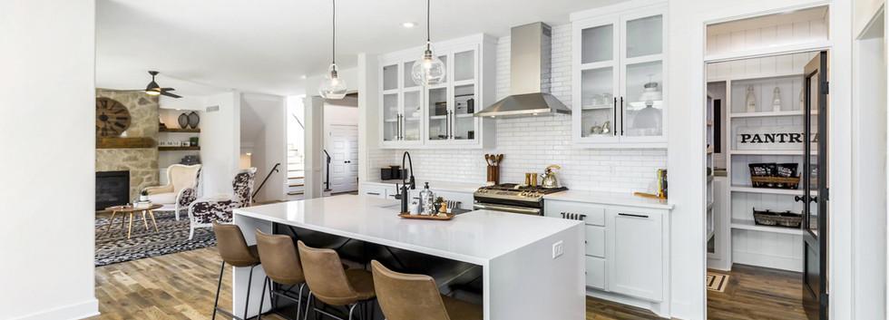 189435273408889_landon_-_kitchen.jpg
