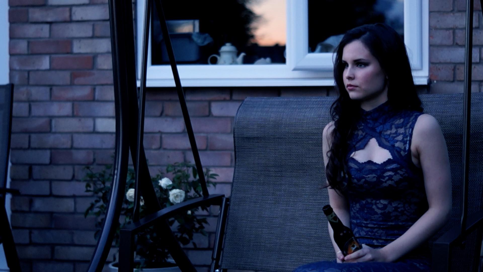 Grace Martinson as Jenny Sinclair