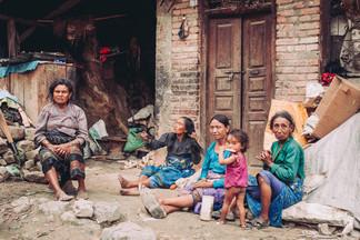 NEPAL_nikoldrobna50.jpg